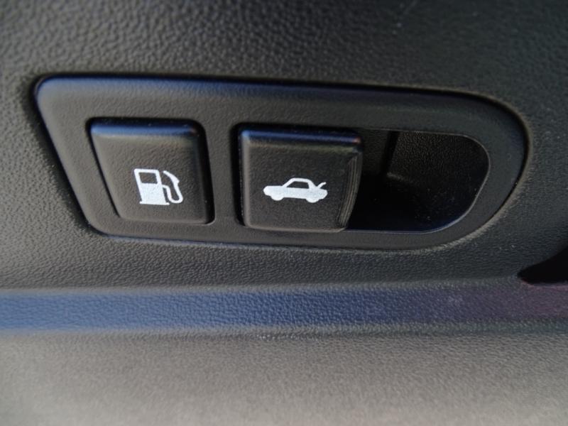Hyundai Genesis Coupe 2012 price $11,995