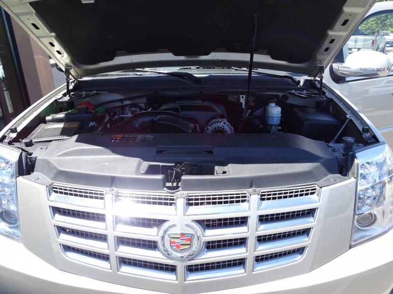 Cadillac Escalade 2013 price $28,995