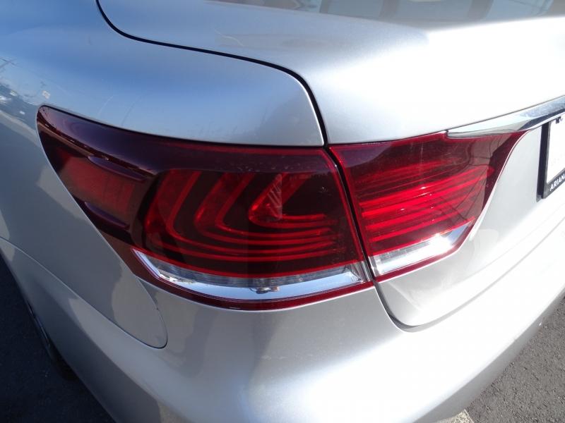 Lexus LS 460 2013 price $27,995