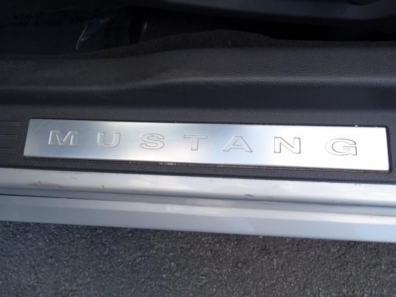 Ford Mustang 2005 price $14,985