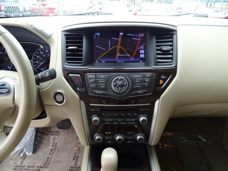 Nissan Pathfinder 2013 price $15,895