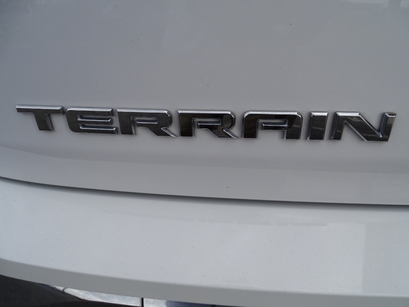 GMC Terrain 2018 price $26,995