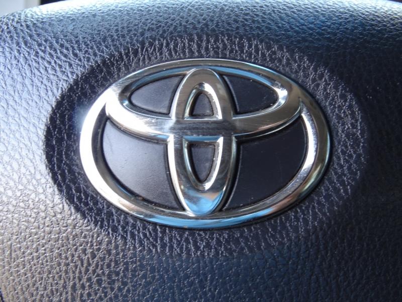 Toyota Sienna 2015 price $22,995