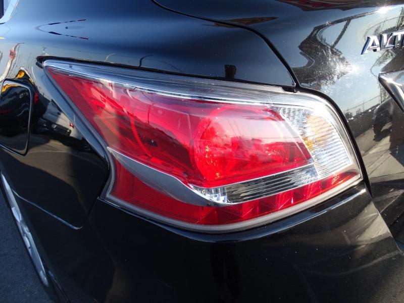 Nissan Altima 2015 price $16,985