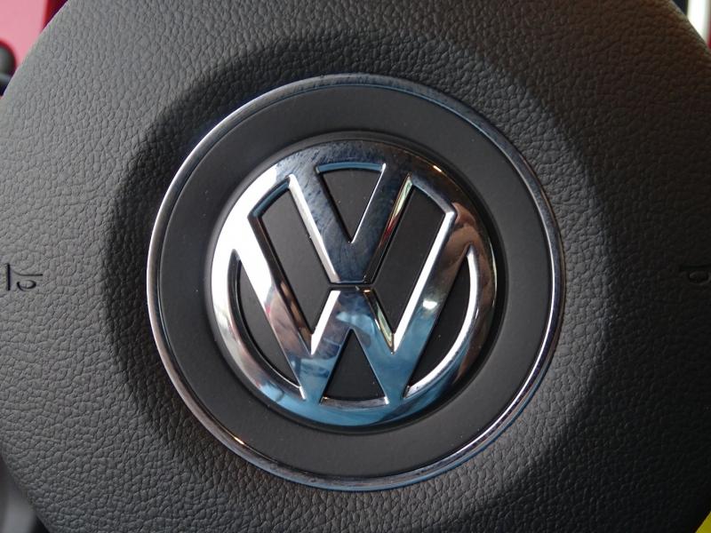 Volkswagen Beetle 2012 price $13,995