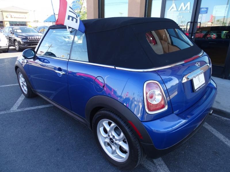 Mini Cooper Convertible 2013 price $12,995