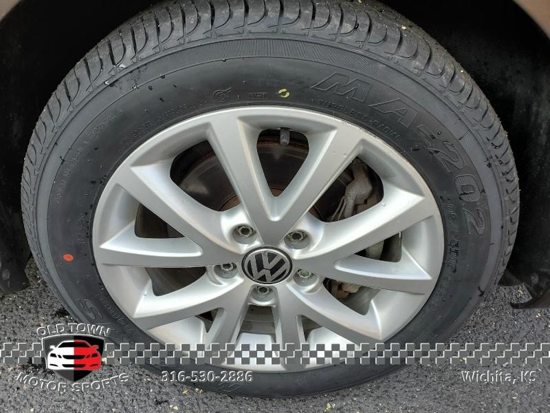 Volkswagen Jetta Sedan 2012 price $5,750