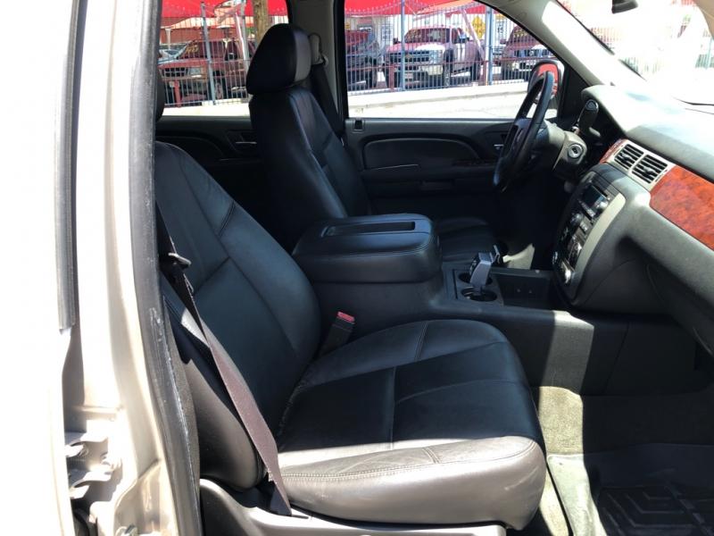 GMC Yukon 4x4 3rd Seat 2009 price $10,995