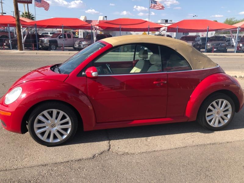 Volkswagen New Beetle Convertible 2009 price $5,995