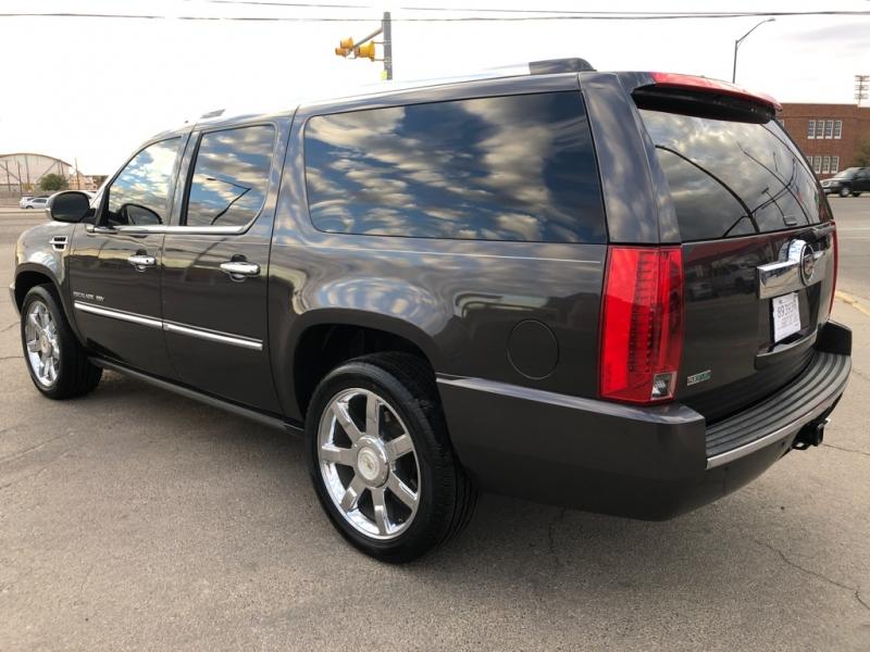 Cadillac Escalade ESV 2011 price $15,995