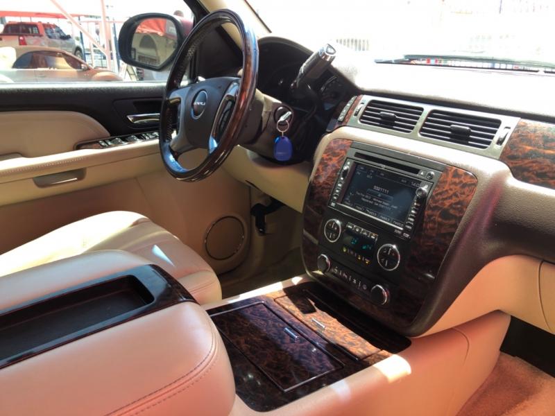 GMC Yukon Denali 2007 price $15,995