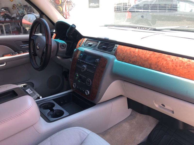 Chevrolet Avalanche 2007 price $10,995