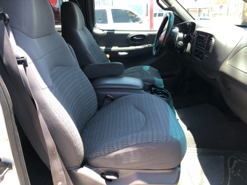 Ford F-150 2000 price $9,995