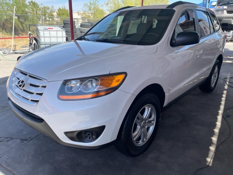 Hyundai Santa Fe 2011 price $9,995