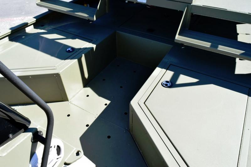 Tracker Grizzly 2072 MVX 2017 price $26,900