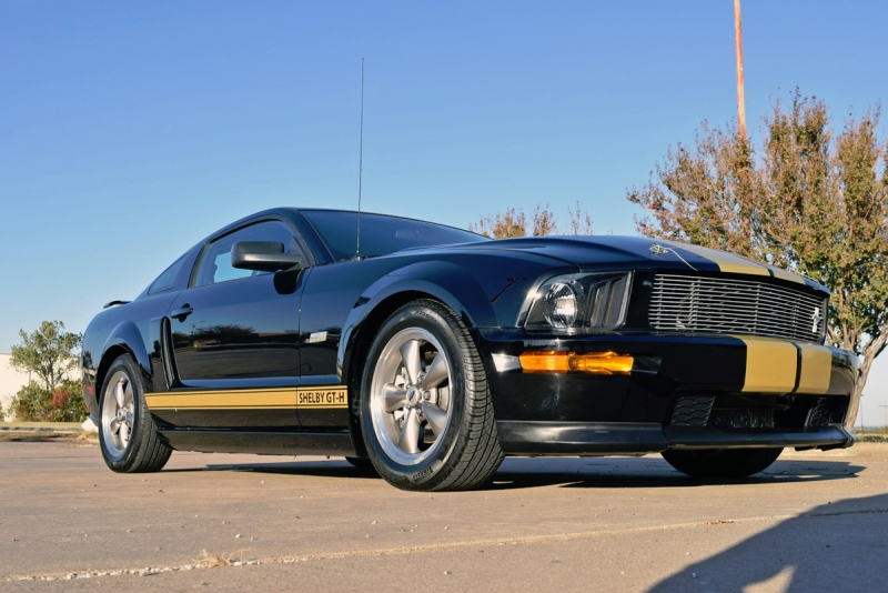 Ford Mustang 2006 price $31,900