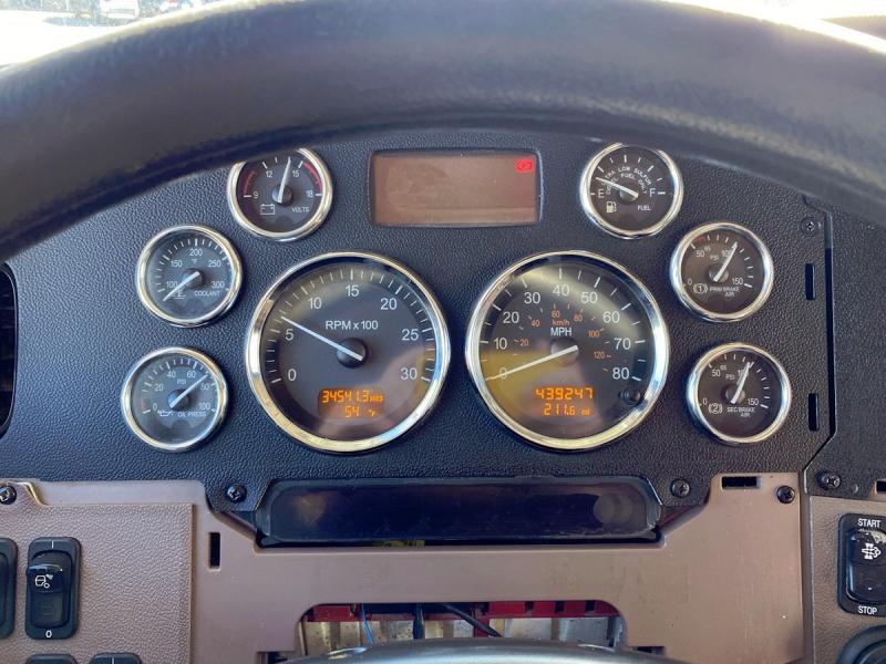 Peterbilt 389 2015 price $64,900