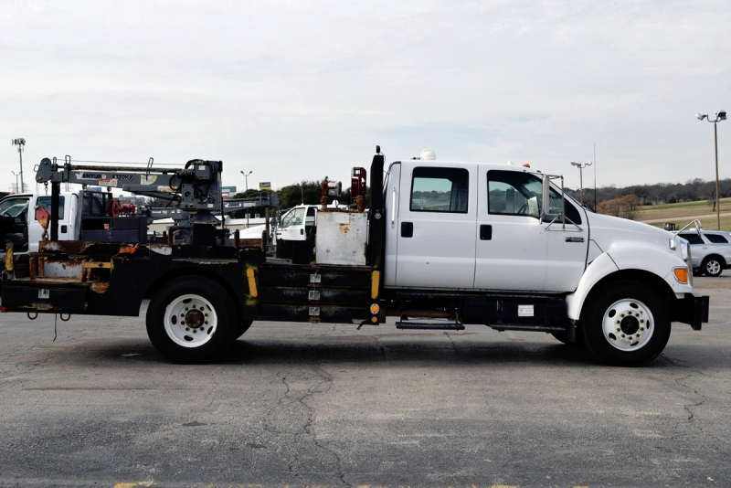 Ford Super Duty F-650 Crane Truck 2006 price $17,900