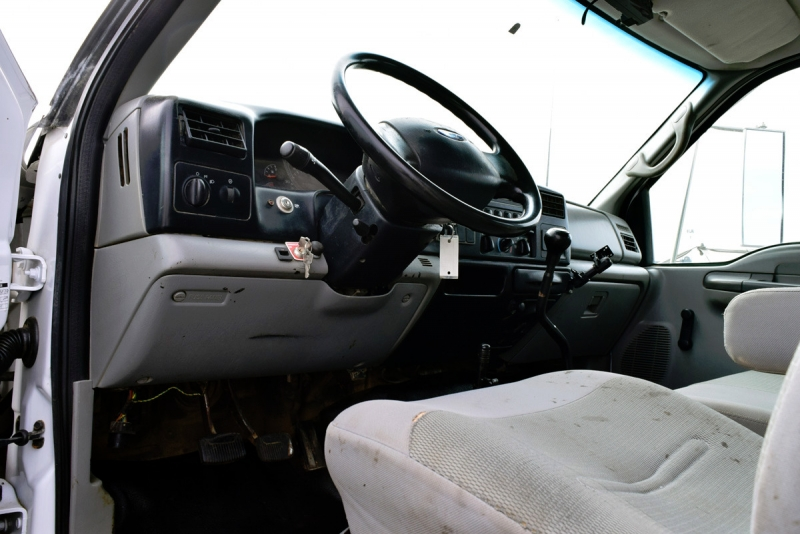 Ford Super Duty F-650 Crane Truck 2006 price $18,900