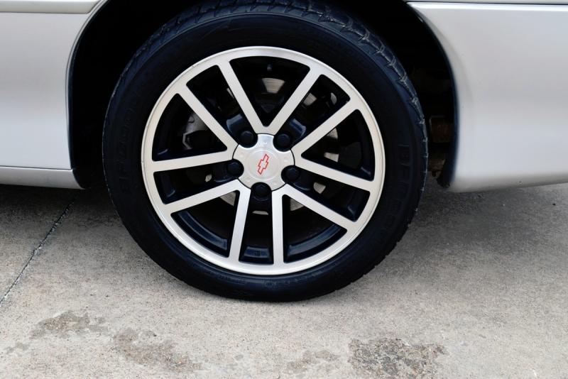 Chevrolet Camaro 2002 price $18,550