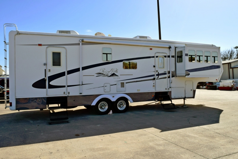 King of the Road Royal Villa 36FL 36' 2006 price $18,900