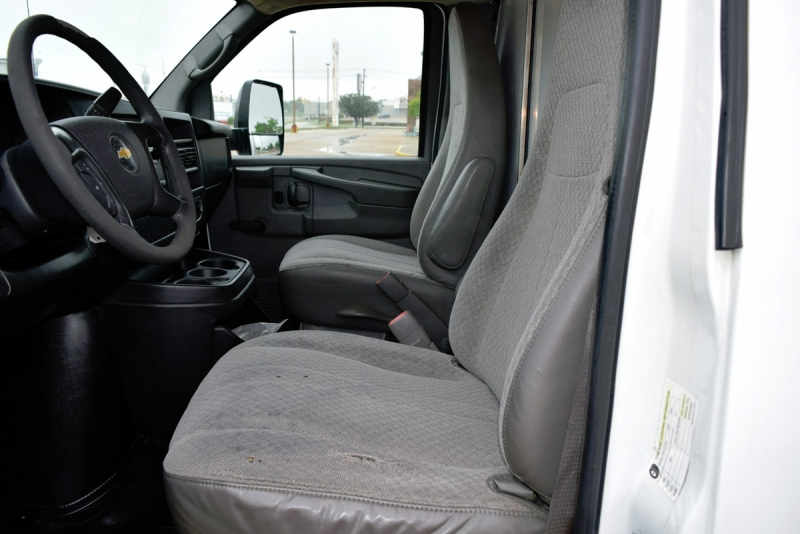Chevrolet Express Commercial Cutaway 2010 price $13,900