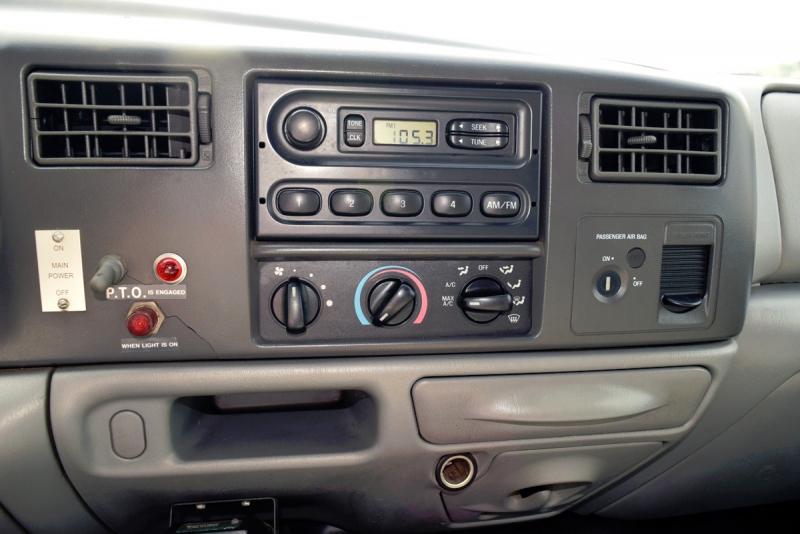 Ford Super Duty F-550 DRW 2002 price $19,900
