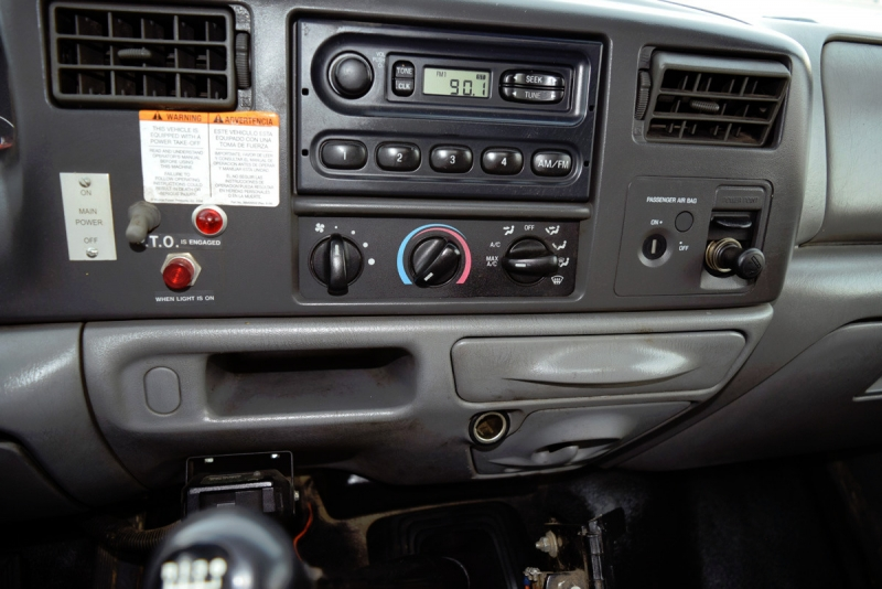 Ford Super Duty F-550 DRW 2002 price $23,900