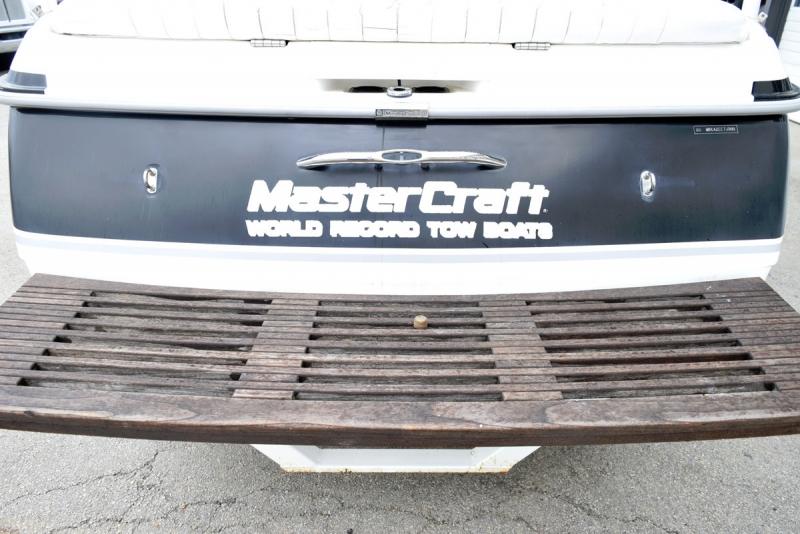 Mastercraft 205V 2000 price $19,900