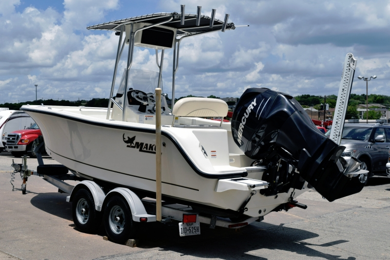 Mako 204 2012 price $33,500
