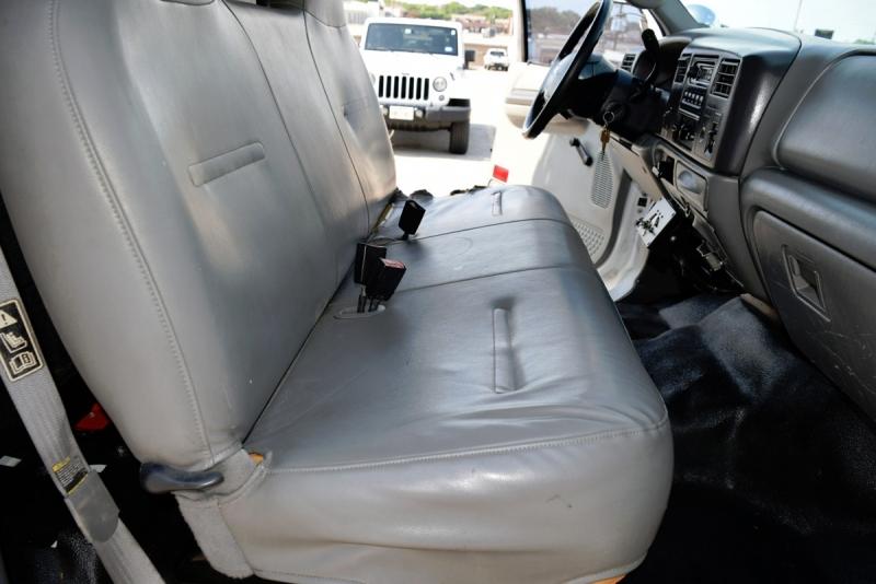 Ford Super Duty F-450 DRW 2003 price $32,900