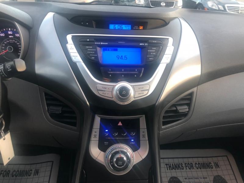Hyundai Elantra 2012 price $6,900