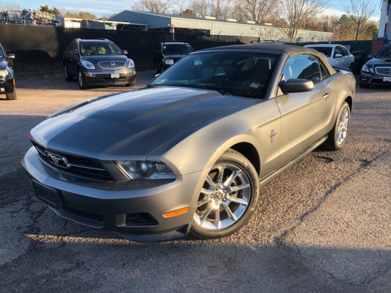 Ford Mustang 2011 price $9,475