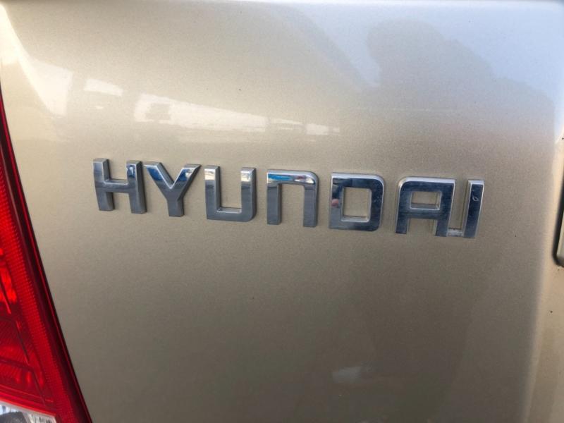Hyundai Entourage 2007 price $4,995