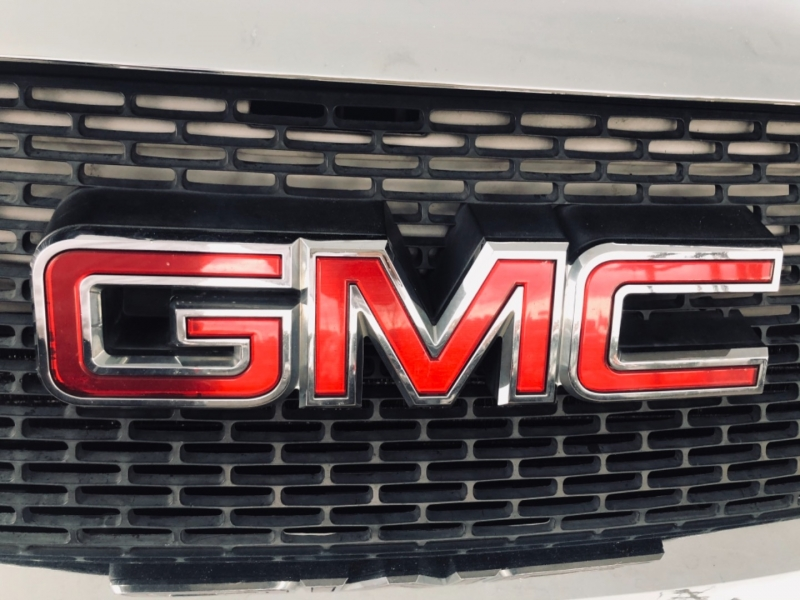 GMC Acadia 2008 price $8,995