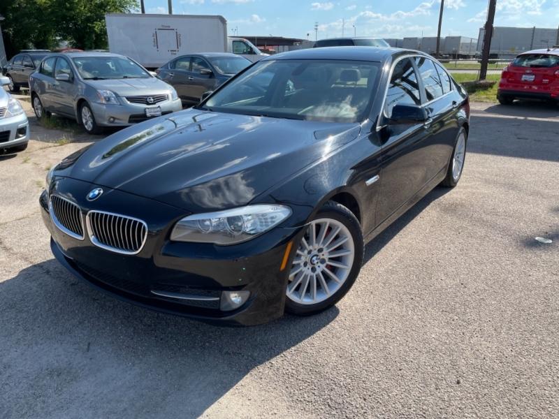 BMW 5-Series 2011 price $11,900