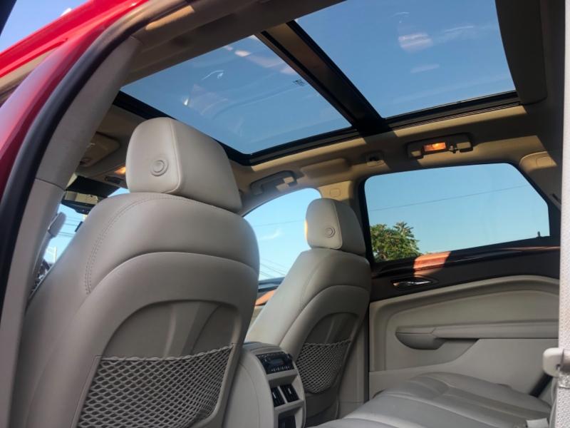 Cadillac SRX 2011 price $10,995