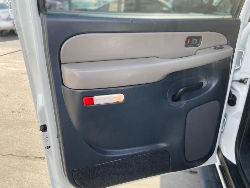 Chevrolet Suburban 2002 price $6,995