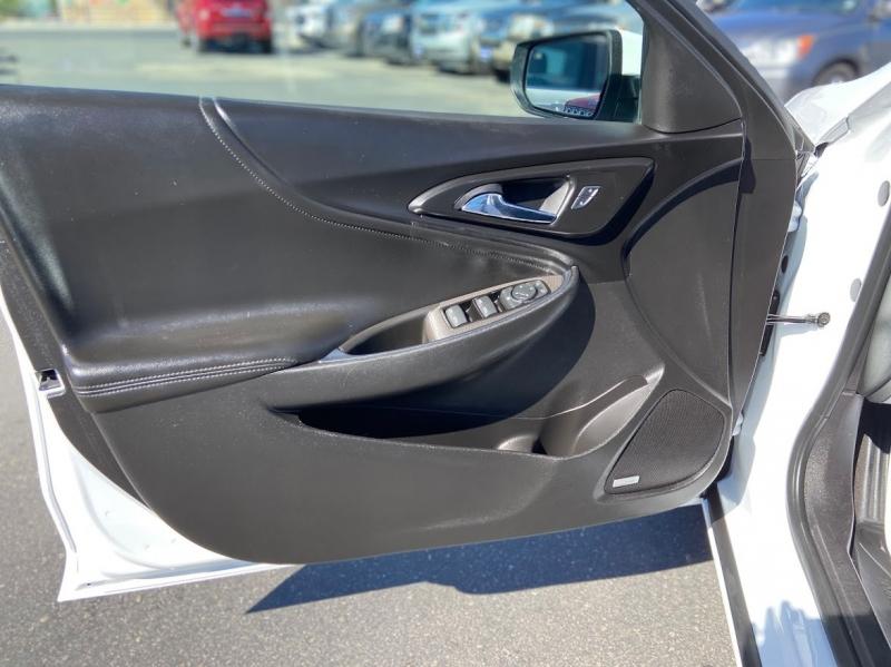Chevrolet Malibu 2017 price $14,103
