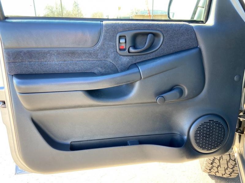 Chevrolet S10 1999 price $8,995