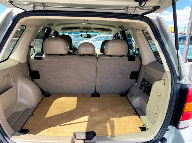 Ford Escape 2005 price $6,995