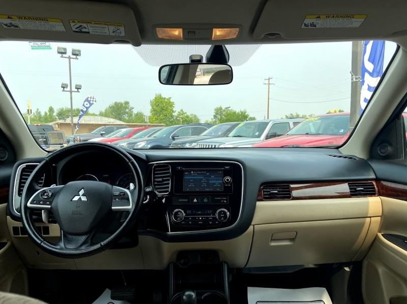 Mitsubishi Outlander 2014 price $13,995