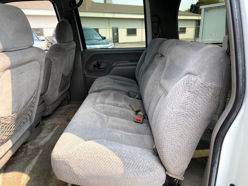Chevrolet Suburban 1995 price 7995