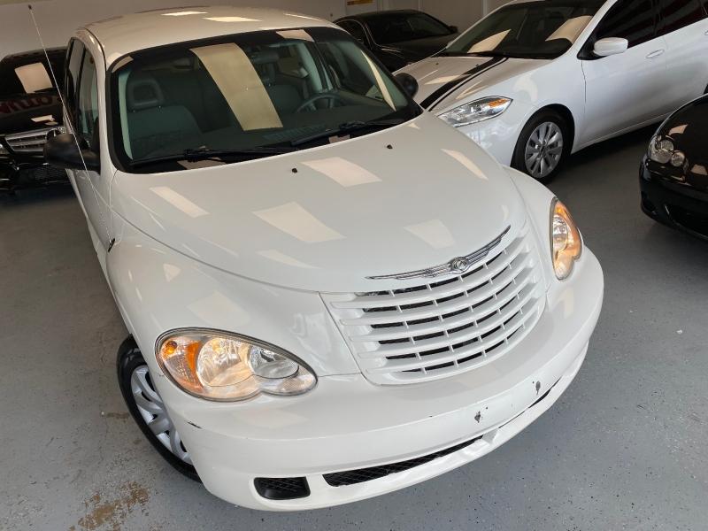 Chrysler PT Cruiser 2009 price $5,498