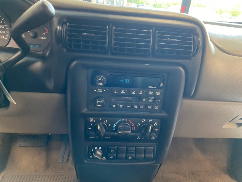 Chevrolet Venture 2001 price $3,498
