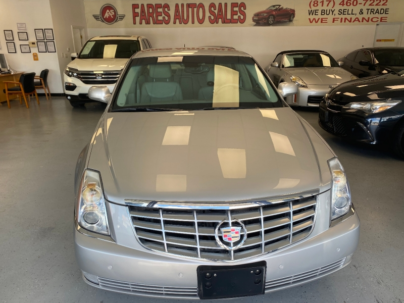 Cadillac DTS 2008 price $8,998