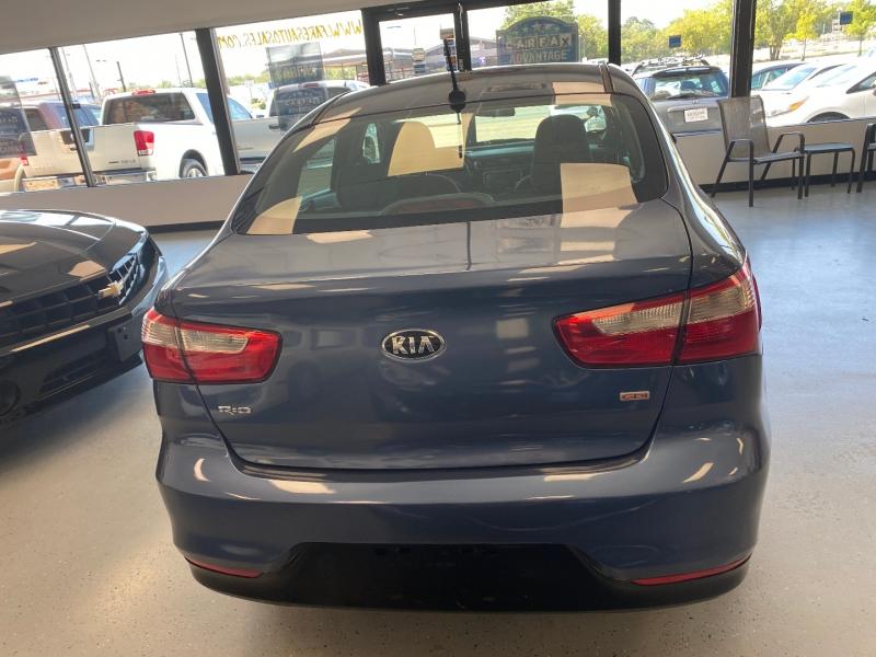Kia Rio 2016 price $8,998