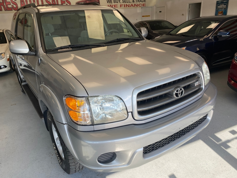 Toyota Sequoia 2001 price $9,498