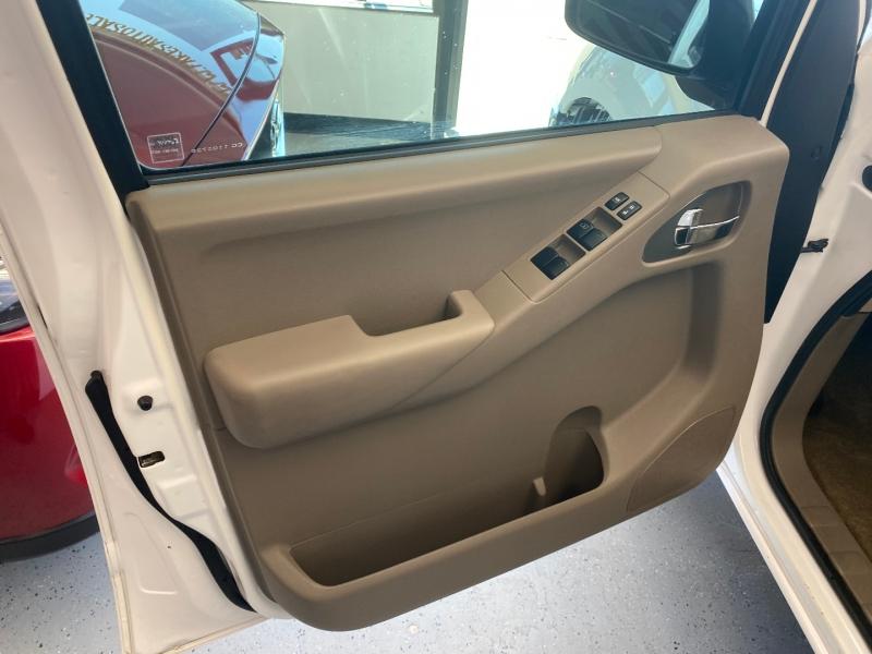 Nissan Frontier 2011 price $12,498
