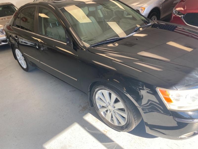 Hyundai Sonata 2009 price $2,600